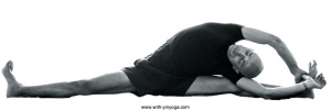 YinYoga-Dragonfly-side-pose